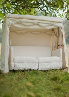 Vintage from Garden Trading Made in England this full upholstered garden swing seat offers all the