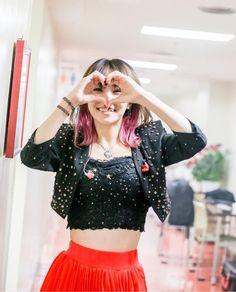 Lisa Japanese Singer, Lisa Chan, J Pop Bands, Pop S, Japan Girl, Music Artists, Cute Girls, Celebrities, Fashion Design