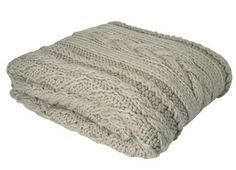 I want a Chunky Knit Blanket like this. Looks so cozy!