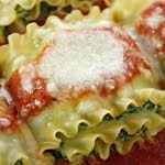 Skinnytaste: Freezer Friendly Recipes Spinach and kale lasagna rolls Skinny Recipes, Healthy Recipes, Skinny Meals, Healthy Options, Delicious Recipes, Healthy Foods, Mozzarella, Spinach Lasagna Rolls, Spinach Rolls