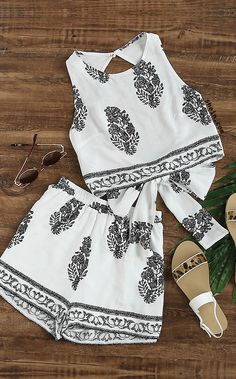 Leaf Printed Bow Open Back Tank Top With Shorts