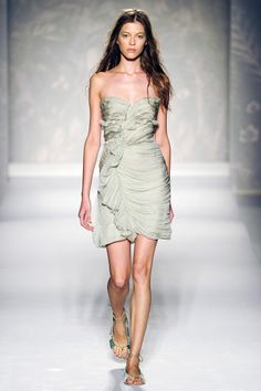 Alberta Ferretti Spring 2011 RTW - Review - Fashion Week - Runway, Fashion Shows and Collections - Vogue