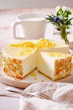 Wir lieben diesen #Zitronenkuchen ohne Backen! Die perfekte Erfrischung im #Sommer. #Kuchen #Rezept #Nobake #Kühlschrankkuchen