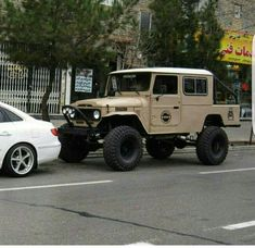 image Toyota 4x4, Toyota Hilux, Truck Mods, Toyota Fj Cruiser, Monster Trucks, Rustic Cabins, Cars, Jeeps, Retro