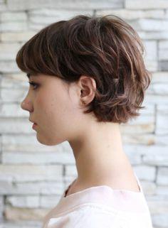 Short Hair Undercut, Curly Hair With Bangs, Curly Hair Cuts, Short Hair Cuts, Curly Hair Styles, Hair Inspo, Hair Inspiration, Androgynous Hair, Cabello Hair