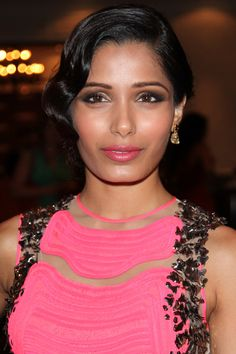 Behind the scenes at TIFF 2013—when Freida Pinto came to our beauty editor event (OMG!) http://beautyeditor.ca/2013/09/18/freida-pinto-makeup-tiff-2013/