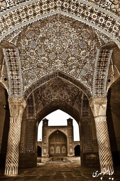 Vakil Mosque, Shiraz, Fars province (Iran ) Persian Architecture, Beautiful Architecture, Beautiful Buildings, Art And Architecture, Beautiful Mosques, Beautiful Places, Voyage Iran, Iran Pictures, Visit Iran
