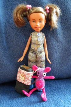 """""""Nami & Lyrelle""""...  ..sind kindgerechte Puppen,von mir proffesionell und in liebevoller Handarbeit bemalt und lackiert . Alle Kleidung und Accessoires sind handgefertigt. Jede Puppe ein..."""