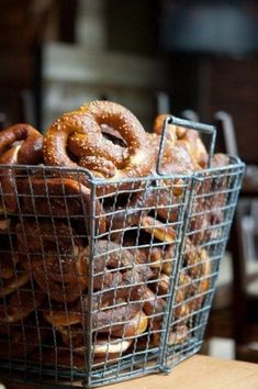 20 Creative Wedding Pretzel Station Ideas To Try – Wedding Catering Food Photography Styling, Food Styling, Wedding Pretzels, Soft Pretzels, Baked Pretzels, Wedding Catering, Catering Events, Party Catering, Catering Food