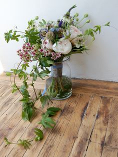 small stump and studio choo - Photos - A selection of Bouquets and Boutonnieres