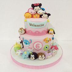 Disney tsum tsum cake (Na minha opinião,só combina pra um niver de  3 aninhos =^.^=)