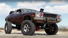 Rusty Off Road – Mad Maxxis 4×4 Muscle Car Desert Chase