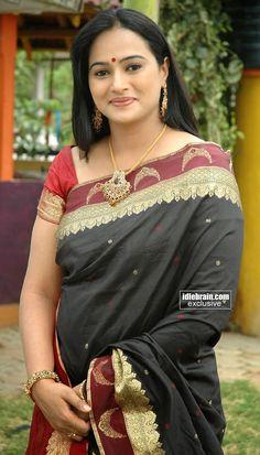 Indian beauty Beautiful Women Over 40, Beautiful Girl Indian, Beautiful Girl Image, Most Beautiful Indian Actress, Beautiful Saree, Beautiful Roses, Cute Beauty, Beauty Full Girl, Beauty Women
