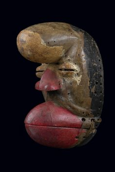 Mask from Ivory Coast, Ngere Arte Tribal, Tribal Art, Tribal African, African Art, Liberia, African Sculptures, Art Sculpture, Art Africain, Making Faces
