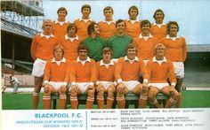 Blackpool F.C future Everton player Alan Ainscoww English Football Teams, Football Soccer, Italian Cup, Blackpool Fc, Typhoo, Team Photos, Everton, Club, Baseball Cards