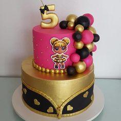 Bee Birthday Cake, Funny Birthday Cakes, Bee Cakes, Cupcake Cakes, Lol Doll Cake, Lion Cakes, Disney Cakes, Creative Cakes, Themed Cakes