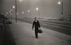 Garry Winogrand's classic and unseen photographs – gallery