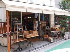 J'antiques, Tokyo