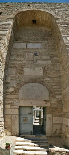 The impressive entrance of Eptapyrgio Fortress or Yenti Koule as it was called by the Ottomans. (Walking Thessaloniki, Route 08 - Seven Towers) Ottoman Turks, Fantasy Island, Acropolis, Thessaloniki, Macedonia, Nymph, Byzantine, Ottomans, Uber