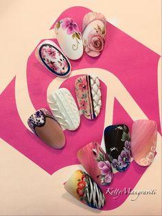 #vintage #vintagenails #vintagenailart #nails #crystalnails #gelnails #naildecor