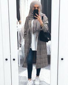 Style Outfits Casual Hijab Ideas For 2019 Modern Hijab Fashion, Street Hijab Fashion, Hijab Fashion Inspiration, Islamic Fashion, Muslim Fashion, Mode Inspiration, Modest Fashion, Decor Inspiration, Casual Hijab Outfit
