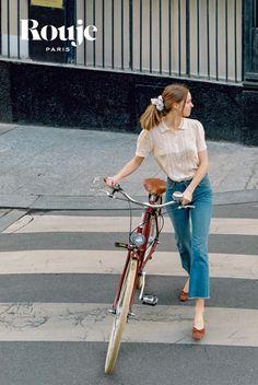 Parisian Summer, Parisian Chic Style, Preppy Style, Paris Style, Chic Outfits, Summer Outfits, Fashion Outfits, French Fashion, Vintage Fashion