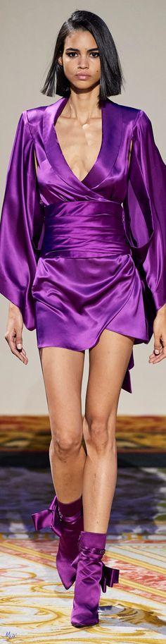 Fashion 2020, Runway Fashion, Womens Fashion, Fashion Trends, Purple Hues, Shades Of Purple, Beautiful Outfits, Beautiful Clothes, Brown Girl