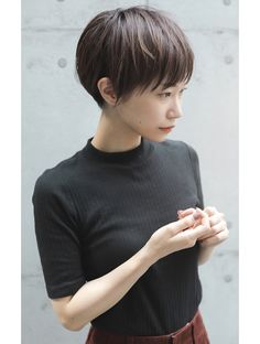 Cute Short Haircuts, Short Hairstyles For Women, Trendy Hairstyles, Asian Bob Haircut, New Hair, Your Hair, Longer Pixie Haircut, Shot Hair Styles, Bowl Cut