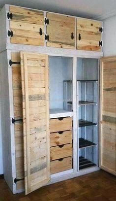 wood pallets If you love pallet projects, you are at right place. You might have made some useful home projects with old wood pallets but you will still be surprised when you see these awesome creations below. Unique Home Decor, Home Decor Items, Diy Home Decor, Recycled Pallets, Wooden Pallets, Pallet Wood, Pallet Bench, Recycled Wood, Pallet Shelves Diy