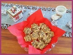 Die Backprinzessin: Keksebackzeit: Kürbiskernsterne Napkins, Tableware, Baking Cookies, New Recipes, Almonds, Dinnerware, Towels, Dinner Napkins, Tablewares