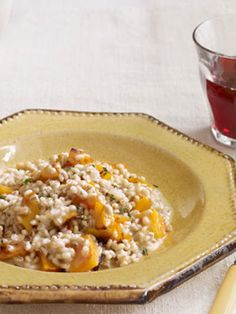 This barley risotto with butternut squash is a healthier alternative to the classic Arborio rice.