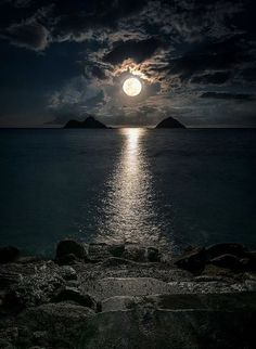 """""""Moon flirts with the Sea in the secrets of night 😲🙄 Nature love is Invisible 😍"""" Moon Photography, Landscape Photography, Nature Pictures, Beautiful Pictures, Cool Pictures, Shoot The Moon, Beautiful Moon, Moon Art, Nature Wallpaper"""