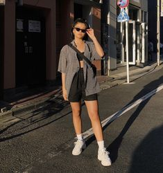Who what wear, fashion killa, casual outfits, fashion outfits, womens fashi Fashion Killa, Look Fashion, 90s Fashion, Fashion Outfits, Fashion Mask, Tomboy Fashion, Classy Fashion, French Fashion, Korean Fashion