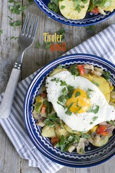 Groestl, the famous dish from Tirol is a perfect meal after a long hike. Bavarian Recipes, Austrian Recipes, Austria Food, Austrian Cuisine, Home Food, Frittata, Nutrition, Meals, Dishes