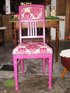 pink upholstered chair - opera from chivasso