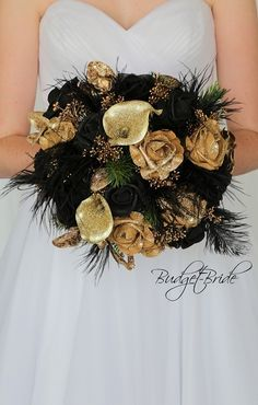 Gatsby wedding flowers with gold, black feather and gold glitter calla lilies – Modern Black Bouquet, Gold Bouquet, Feather Bouquet, Gold Wedding Bouquets, Flower Bouquet Wedding, Bridesmaid Bouquet, Flower Bouquets, Bridal Bouquets, Wedding Dresses