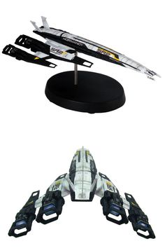 Mass Effect: Cerberus Normandy SR-2 Ship Replica :: Profile :: Dark Horse Comics