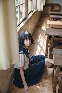 School Girl Japan, Japan Girl, Female Pose Reference, Pose Reference Photo, Japanese School Uniform, School Uniform Girls, Korean Girl Short Hair, Beautiful Japanese Girl, Ulzzang Korean Girl