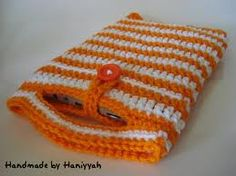 Crochet tablet cover with handles