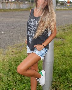 ❤Use STO.DAIME!❤ Regata estonada Dreamcatcher R$59,00 • Disponível nas lojas e site!! Veeeeemm!! E hoje é SÁBADO ➕ em Criciúma!! •www.stodaimestore.com.br• • #LOVESTODAIME  #hippielife #peace #psychedelic #goodvibes #positivevibes #style #peaceandlove #mar #frases #boho #positive #hippie #hippiechic #surf #surfstyle #amor #soul #gypsy #positivity #bomdia #tattoo #positividade #tee #tshirt #morning  #dreamcatcher Print by Varvara Gorbash