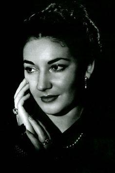 http://feniques.hubpages.com/hub/La-Divina-Maria-Callas