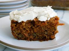 PALEO CARROT CAKE THAT WILL FOOL YOUR NON-PALEO FRIENDS. GUARANTEED.