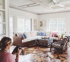 """""""Thanks @melissajerace for allowing me to help style and photograph your gorgeous home ! Your amazing! And this rug from @zealliving is """" @carlaypage"""