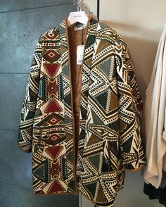 Loving the pattern on this coat.