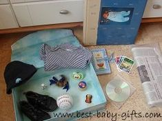 How to make a baby time capsule: it's a lifetime keepsake and easy to make. Ideas and tips to make a unique gift for a baby or a special adult birthday! Homemade Baby Gifts, Best Baby Gifts, Unique Baby Gifts, Great Gifts For Mom, First Birthday Themes, Baby 1st Birthday, Birthday Ideas, Diaper Animals, Baby Time Capsule