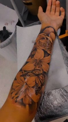 Dope Tattoos For Women, Black Girls With Tattoos, Shoulder Tattoos For Women, Girls With Sleeve Tattoos, Black Girl Tattoo, Forarm Tattoos For Women, Girly Sleeve Tattoo, Girl Thigh Tattoos, Woman Sleeve Tattoos