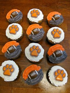 Clemson cupcakes... for my sister and my dad :)
