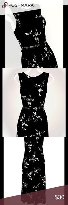 """ISDA & CO OFF WHITE AND BLACK FLOWERED DRESS SZ S Lovely ISDA&CO black and off white flowered below-the-knee dress. 100% Stretch Viscose Size S Length from collar to hem is 40"""" Armhole is 21"""" Bust is 32"""" ISDA&CO Dresses"""