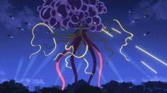 「世界征服~謀略のズヴィズダー~」 01話  20141231210039  橋本作画。やはり透過光の使い方が最高に上手い。散っていく、触手煙が花火みたくゆっくりと落ちていくのもまた見どころ。後は左下の煙かなあ。ここがあるから、対比として、より画面上部の爆発が目立っているような気がする。