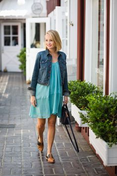 SUMMER CHIC: teal flowy dress and sophisticated flats - The Style Editrix